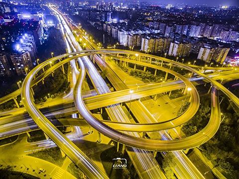 """成都尾号限行迎来""""大红锅"""" 绕城内所有道路均不能跑"""